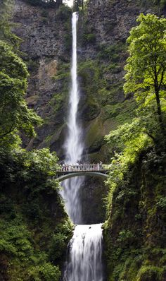 Multnomah Falls, in Oregon. Only 30 minutes from Portland! Read about visiting this beautiful 635 foot waterfall http://mytanfeet.com/pacific-northwest/columbia-river-gorge-national-scenic-area/