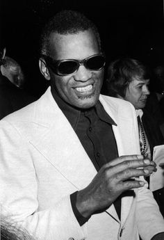 Ray Charles backstage at The Empire Room of the Waldorf-Astoria Hotel in New York (a concert series running from 29 April to 19 May 1974). Photo by Tim Boxer. Review: http://books.google.nl/books?id=bwkEAAAAMBAJ&pg=PA18&dq=%22ray+charles%22+-singers+issn:0006-2510&hl=en&ei=Jyp1TIuBHKigOPDfhesG&sa=X&oi=book_result&ct=result&resnum=93&ved=0CPMDEOgBMFw#v=onepage&q=%22ray%20charles%22%20-singers%20issn%3A0006-2510&f=false