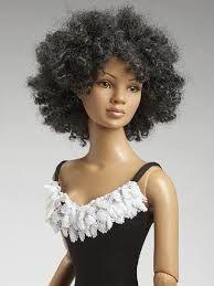 Resultado de imagem para barbie negra cabelo curto