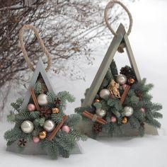 Christmas Tree Store, Christmas Wood Crafts, Diy Christmas Ornaments, Rustic Christmas, Diy Christmas Gifts, Christmas Projects, Simple Christmas, Christmas Wreaths, Christmas Flower Arrangements