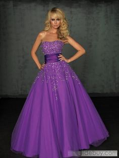 pretty in purple. this is so pretty! Wouldn't eer wear it...but I love me!