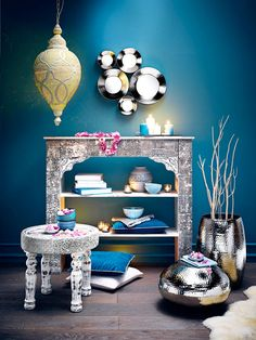 "Résultat de recherche d'images pour ""déco salon original"" Style Oriental, Massage Room, Lanai, Home And Living, Interior And Exterior, Entryway Tables, Decoration, Sweet Home, Bedroom Decor"