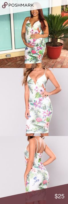 Floral dress 💐 White floral bodycon dress. Dresses