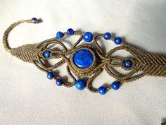 Original light brown macrame bracelet with Lapis by EntreteNudos