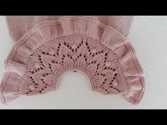 Baby Sweater Knitting Pattern, Knitting Stiches, Knitting Videos, Crochet Videos, Baby Knitting Patterns, Hand Knitting, Knit Baby Dress, Knitted Baby Clothes, Baby Barn