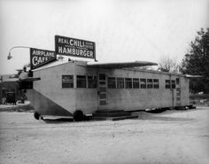 The Airplane Cafe, located on Ventura Boulevard in the San Fernando Valley (1927)