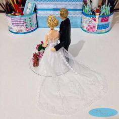 Detalhes dos noivinhos personalizados 😍 #noivinhoscaraarteembiscuit #topodebolopersonalizado #noivosbiscuit #biscuit #cachorrinhos #cachorrinhosdestruindobuque #casar #casacomigo #casamento #noiva #noivas #topodebolo #noivasbrasil #noivasp #buquerosa #bolocasamento #wedding #weddings #weddingday #weddingdresses #weddingcaketoppers #caraarteembiscuit #noivos #noivasbh #noivinhos #noivinhosdiferente #noivinhospersonalizados