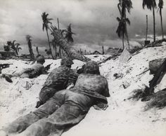 US Marines fighting on Tarawa, Gilbert Islands, Nov 1943