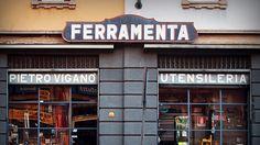 Pour les interrupteurs ? Le Milan d'India Mahdavi Ferramenta Viganò Magasin historique du bricolage professionnel où l'on peut tout trouver. Le patron est très chic, bien qu'un peu brusque.   8, Via Montevideo, Milan ; www.myferramenta-milano.it
