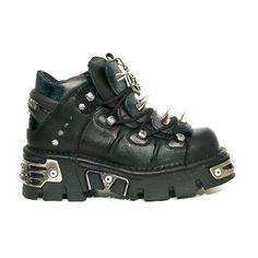 Low Boot M. 110-S1 zwart lage schoen met spikes en pentagram hanger- Rock, Metal- New Rock