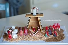 Instead of a Gingerbread House make a Gingerbread Nativity with your kids for Christmas! This is such a great idea to add Christ back into Christmas! Graham Cracker Gingerbread House, Gingerbread House Parties, Christmas Gingerbread House, Christmas Nativity, Christmas Treats, Winter Christmas, All Things Christmas, Christmas Holidays, Christmas Decorations