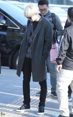 Korean Airport Fashion — dailyexo:   Chanyeol - 160226 Incheon Airport,...