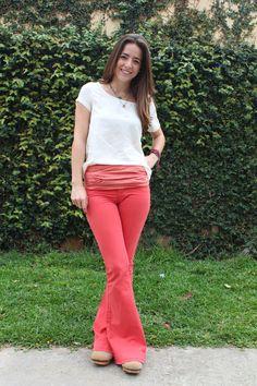 Look da Teca, agora no blog!     Vem ver e opinar. Bell Bottoms, Bell Bottom Jeans, Look, Pants, Fashion, Teak, Moda, Trousers, Bell Bottom Pants