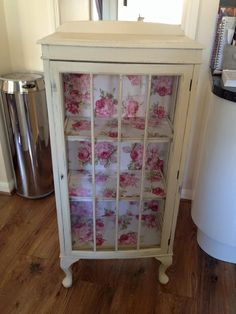 glass display unit in Annie Sloan Cream Chalk Paint Furniture, Diy Furniture Projects, Diy Wood Projects, Repurposed Furniture, Furniture Makeover, Glass Front Cabinets, Cupboards, Shabby Chic Display Cabinet, Unwanted Furniture