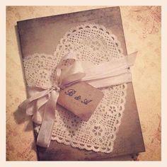 wunderbare handgemachte Hochzeitseinladungen