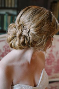 Gorgeous bridal hair up do with a vintage brooch
