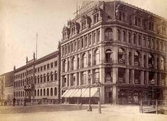 um 1885 Berlin - Der Modebazar Gerson, Werderscher Markt 5-6 und die Königliche Münze in der Unterwasserstraße 2-4, (Fotografie: Schwartz, F. Albert)