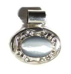 Sale!!  SILVER PENDANT.  Vintage 925 Solid Sterling Silver and Catseye Clear Quartz Pendant (15.0g), Free Shipping by colorsofthesouthwest. Explore more products on http://colorsofthesouthwest.etsy.com