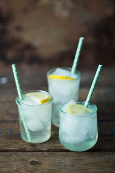 You may have had a Martini, but what with regards to a Singaporean Toss or New Orleans Fizz?, explore gin at its best quality in the right gin cocktails ever created. Drinks Med Gin, Tequila Drinks, Liquor Drinks, Juice Smoothie, Smoothie Drinks, Champagne Cocktail, Cocktail Drinks, Tom Collins, Thanksgiving Drinks