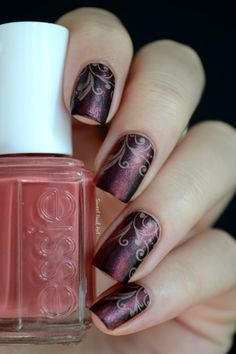 http://sweet-nail-art.over-blog.fr/article-essie-in-stitches-et-sa-deco-baroque-girly-120794416.html
