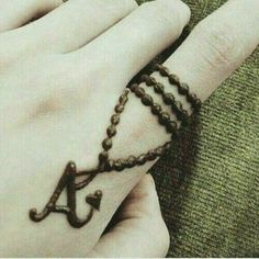 A style Mehndi Designs for Lovers