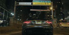 La Jaguar F-TYPE SVR hurle dans le tunnel de Park Avenue