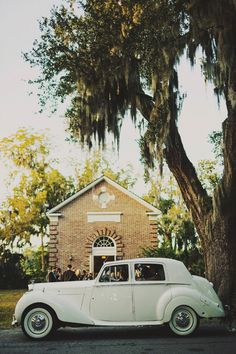 vintage car | Ariel Renae #wedding