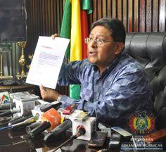 El Viceministro de Tesoro y Crédito Público, Edwin Rojas en conferencia de prensa habló sobre la calificadora internacional Standard & Poor's (S&P) que elevó la calificación de riesgo país de Bolivia de BB- a BB, una ubicación que el país alcanza por primera vez.