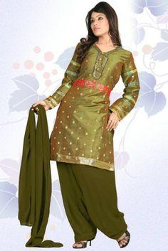 Punjabi Salwar Kameez Designs 2014. #pakistanisalwarkameez, #churidarsalwar, #churidarkameez, #salwarkameez, #shalwarkameez #pakistanifashion