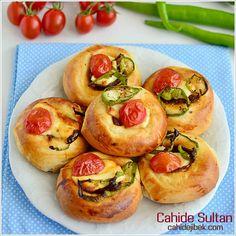 Gündüzün iki tarafında ve gecenin (gündüze) yakın saatlerinde namazı kıl. Şüphesiz iyilikler, kötülükleri giderir. Bu, öğüt alanlara bir öğüttür.(Hud Suresi, 114) Esselamu aleykum kardeşlerim, Rab… Bulgur, Turkish Recipes, Ethnic Recipes, Waffles, Savory Pastry, Potatoes, Bread, Food And Drink, Cookies