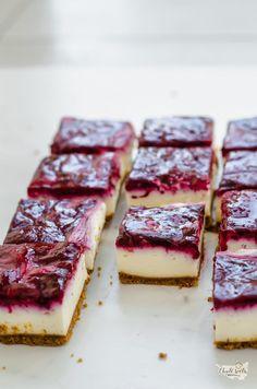 nepečené cheesecake řezy s lesním ovocem
