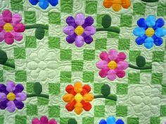 Daisy garden  machine quilting by Elizabeth Karnes  http://www.facebook.com/pages/Elizabeths-Machine-Quilting/152010964911556