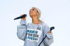 ariana at #marchforourlives <3