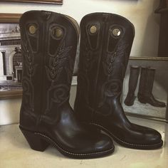 """Custom Cowboy boot. Black uppers and vamps, tulip stitching, 2"""" extreme underlung heel. #beckcowboyboots #beckboots #customboots #boots #cowboyboots #handmadecowboyboots #madeintexas"""