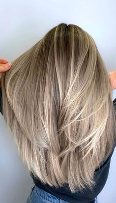 Blonde Hair Shades, Honey Blonde Hair, Blonde Hair Looks, Blonde Hair With Highlights, Hair Color Balayage, Brunette Going Blonde, Brown Hair With Blonde, Full Balayage, Balayage Straight