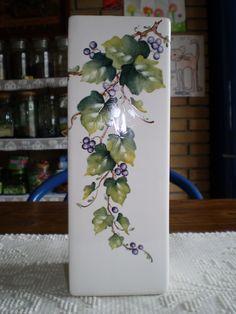 Fernanda Cantoni -  vaso con edera dipinto a mano.