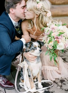 newlyweds and their pup, photo by Laura Murray http://ruffledblog.com/devils-thumb-ranch-wedding #pets #dogs