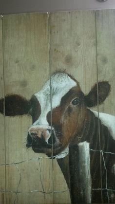 Koe op steigerhout 60 bij 80, 2014, Irma Dunnewind.