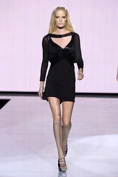 Versace Spring 2007 Ready-to-Wear Collection Photos - Vogue