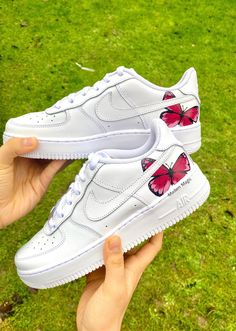 Custom Nike Air Force 1 Low Single Pink Butterfly Air Force Hand Painted - Source by SugarFluffyTutu - Nike Shoes Air Force, Nike Air Force Ones, Custom Painted Shoes, Custom Shoes, Vans Custom, Custom Af1, Hand Painted Shoes, Painted Sneakers, Custom Air Force 1