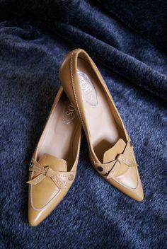 Nieuwe Tods, zo goed als nieuw. Maat 39 voor 75,-   Interesse? Mail dan naar jacobien@prinsenenprinsessen.com, of kom langs in onze winkel. Woe t/m vrijdag 10.00 -17.00 en Za 12.00-17.00 #prinsenenprinsessen www.prinsenenprinsessen.com  #tods #secondhand #sustainable #tweedehands #bewust #schoenen #fashion