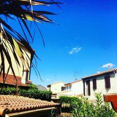 #summeriscoming #france #havingfun #parttimeholidays #lunel #rayban #sun #sunnydays #montpellier #southoffrance #франция by akmnv