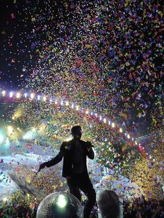 Like when you see your favourite band and they do something spectacular. Coldplay - Bern 2.9.09 by cyberyann41, via Flickr