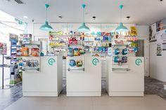 La Idea Proyectos – Farmacia centro Construction Process, Interior Design Studio, Pharmacy, Product Display, Showroom, Furniture, Ideas, Pharmacy Design, Shop Displays