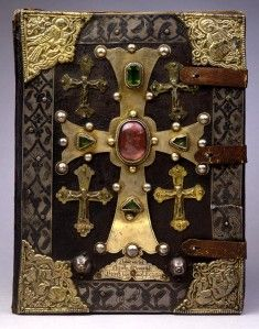 Cover of Toros Roslin Gospels, The most prominent Armenian manuscript illuminator in the High Middle Ages (circa was Toros Roslin. Old Books, Antique Books, Vintage Books, Medieval Books, Medieval Art, Medieval Life, Art Du Monde, High Middle Ages, Templer
