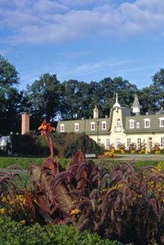 Les plus beaux espaces verts de Montréal et Québec Montreal Ville, House Styles, Spaces, Vacation, Beauty, Home