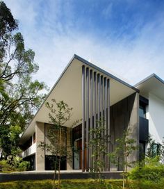 Screen House von Architekten: Exotic Modern Mansion in Singapur Singapore Architecture, Sustainable Architecture, Residential Architecture, Contemporary Architecture, Architecture Design, Modern Contemporary, Layouts Casa, House Layouts, Screen House