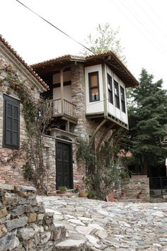 Architectural Drawing Home Beautiful Buildings, Beautiful Homes, Beautiful Places, Turkish Architecture, Interior Architecture, Old Stone Houses, Old Houses, Orient House, Village Houses