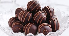 Chocolate Covered Truffles Ingredients: C butter 1 lbs. real semisweet chocolate C non-d Christmas Truffles, Christmas Food Gifts, Christmas Baking, Christmas 2017, Christmas Time, Peanut Butter Truffles, Chocolate Truffles, Chocolate Peanut Butter, Chocolate Chocolate