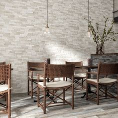 For wonderful feature walls see the gorgeous range of Ordino split face tiles. These white split face tiles are one of 5 colours available. Made from quality porcelain they are hard wearing and perfect for internal or external wall tiles. Stone Feature Wall, Feature Walls, Exterior Wall Tiles, Tile Warehouse, White Wall Tiles, Tile Showroom, Outdoor Tiles, Kitchen Wall Tiles, Tiles Texture
